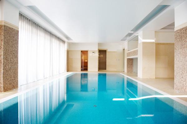Betonový vyfóliovaný bazén
